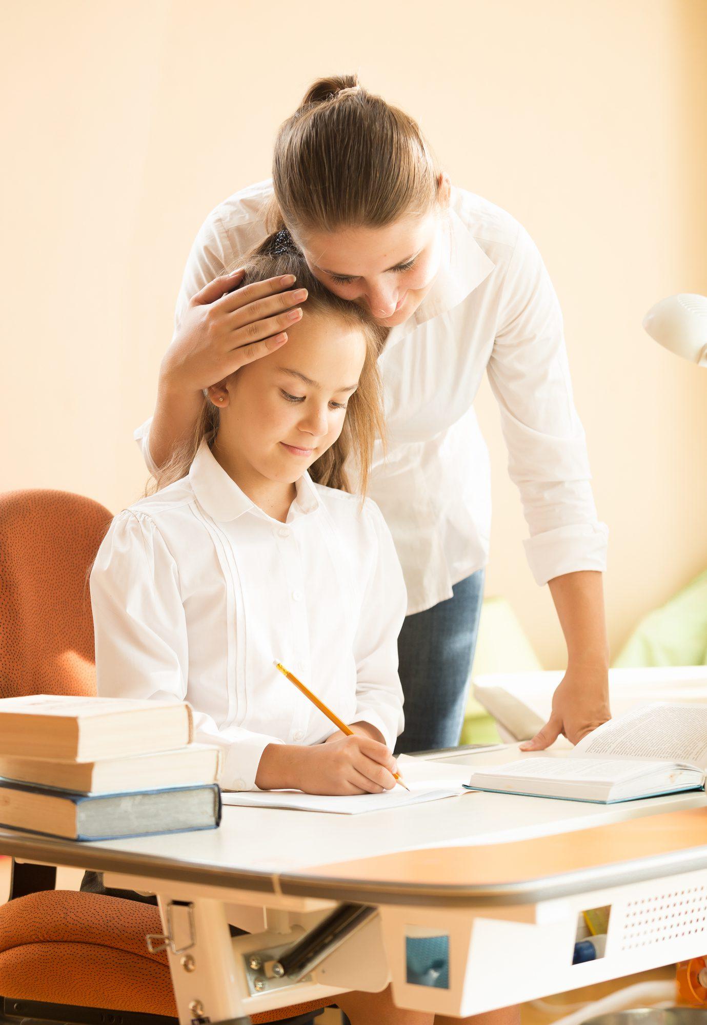 Praise vs. Encouragement in Montessori schools